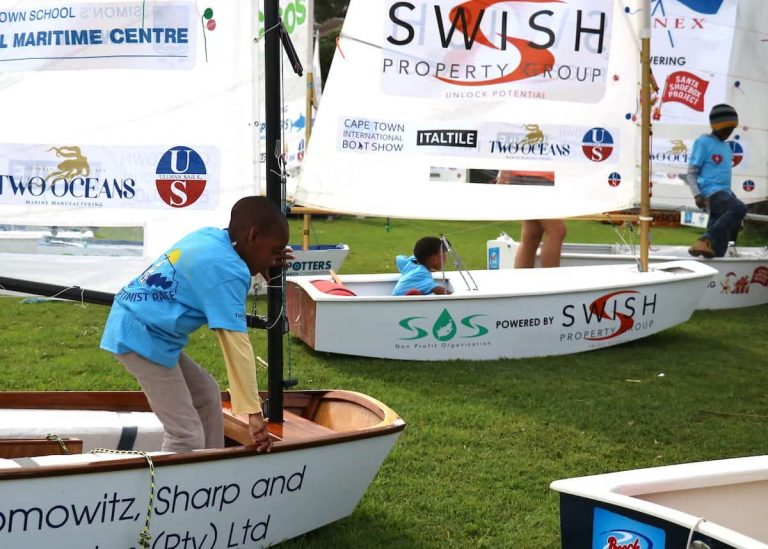 South African kids shown the ropes at sailing therapy day
